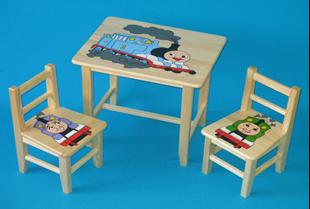 Obrázek Dětský dřevěný stůl se židlemi - Vláček