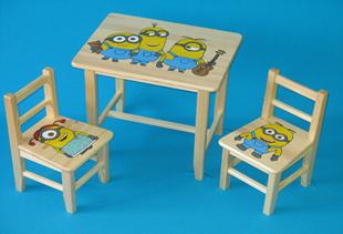 Obrázek Dětský dřevěný stůl se židlemi - Mimoni