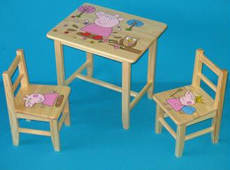 Obrázek z Dětský dřevěný stůl se židlemi - Prasátko Pepina