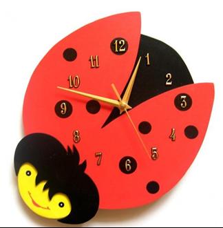 Obrázek z Dětské dřevěné hodiny Beruška - Červená