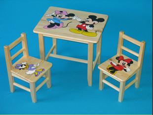 Obrázek Dětský dřevěný stůl se židlemi - Mickey Mouse
