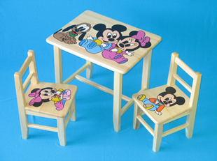 Obrázek Dětský dřevěný stůl se židlemi - mini Mickey Mouse